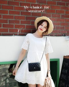 váy xòe màu trắng